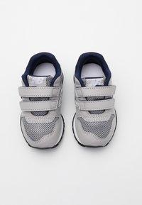 New Balance - IV500RG - Sneakersy niskie - grey/navy - 3