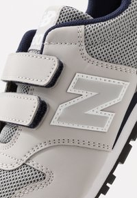New Balance - YV500RR - Sneakers basse - grey/navy - 2