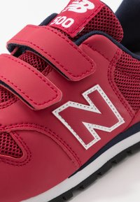 New Balance - YV500RR - Baskets basses - red/navy - 2