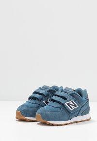 New Balance - IV574PRN - Sneakersy niskie - navy - 3