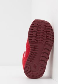 New Balance - IV373SB - Sneakers basse - scarlet - 5