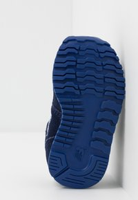 New Balance - IV373SB - Zapatillas - pigment - 5
