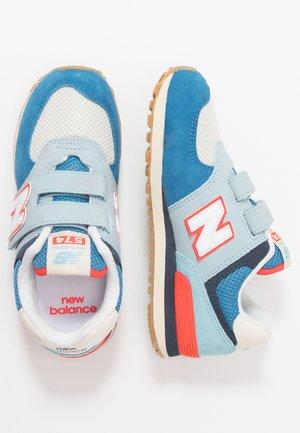 YV574SOS - Sneakersy niskie - blue/multicolor