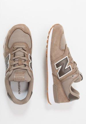 PC574PRN - Sneakersy niskie - brown