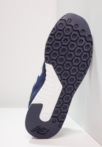 New Balance - MRL247 - Sneakers - navy - 4