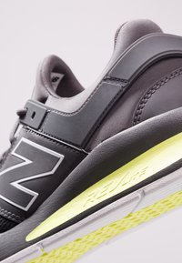 New Balance - MS247 - Sneakers laag - magnet - 5