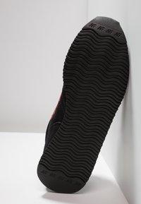 New Balance - U420 - Sneakers - black/red - 4