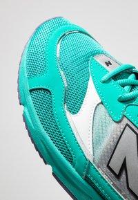 New Balance - MSXRC - Sneakers - green - 5