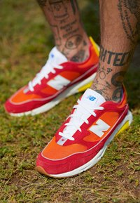 New Balance - MSXRC - Sneakers - red/yellow - 7