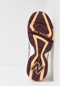 New Balance - MX608 - Sneakers - white - 4