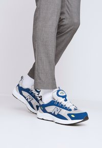 New Balance - ML615 - Tenisky - white/blue - 0
