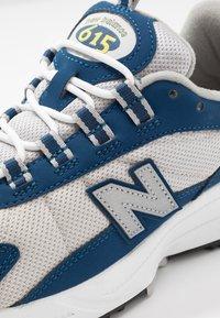 New Balance - ML615 - Tenisky - white/blue - 8