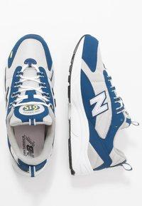 New Balance - ML615 - Tenisky - white/blue - 2