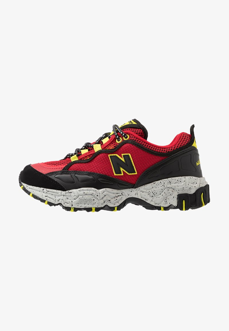 New Balance - ML801 - Sneakers - red/black