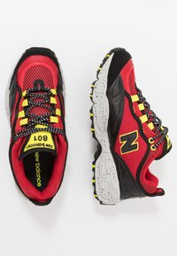 New Balance - ML801 - Sneakers - red/black - 1