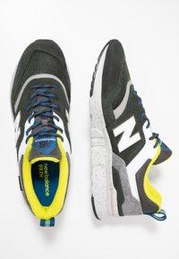 New Balance - CM997 - Sneakers - green/yellow - 1