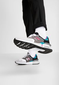 New Balance - MS997 - Sneakers - grey/green - 0