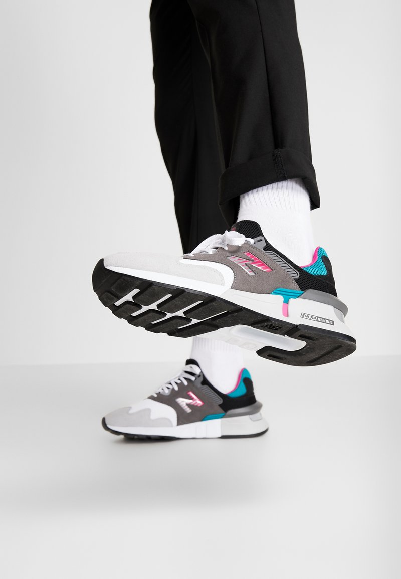 New Balance - MS997 - Sneakers - grey/green