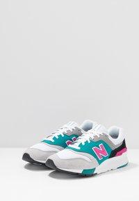 New Balance - CM997 - Sneakers - grey - 2