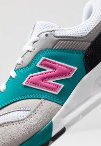 New Balance - CM997 - Sneakers - grey - 5