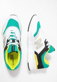 New Balance - CM997 - Sneakers - green/white - 1
