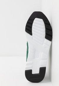 New Balance - CM997 - Sneakers - green - 4