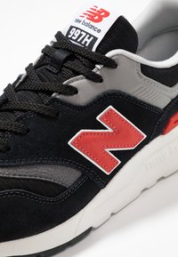 New Balance - CM997 - Sneakers - black/red - 5