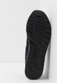New Balance - CM997 - Sneakers - black - 4