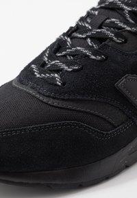 New Balance - CM997 - Sneakers - black - 5