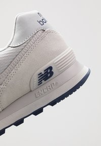 New Balance - Zapatillas - grey - 5