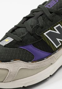 New Balance - MSXRC - Zapatillas - grey/purple - 5