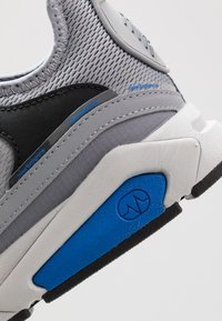 New Balance - MSXRC - Sneakers - grey/blue - 5