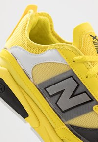New Balance - MSXRC - Sneakers - yellow/black - 5