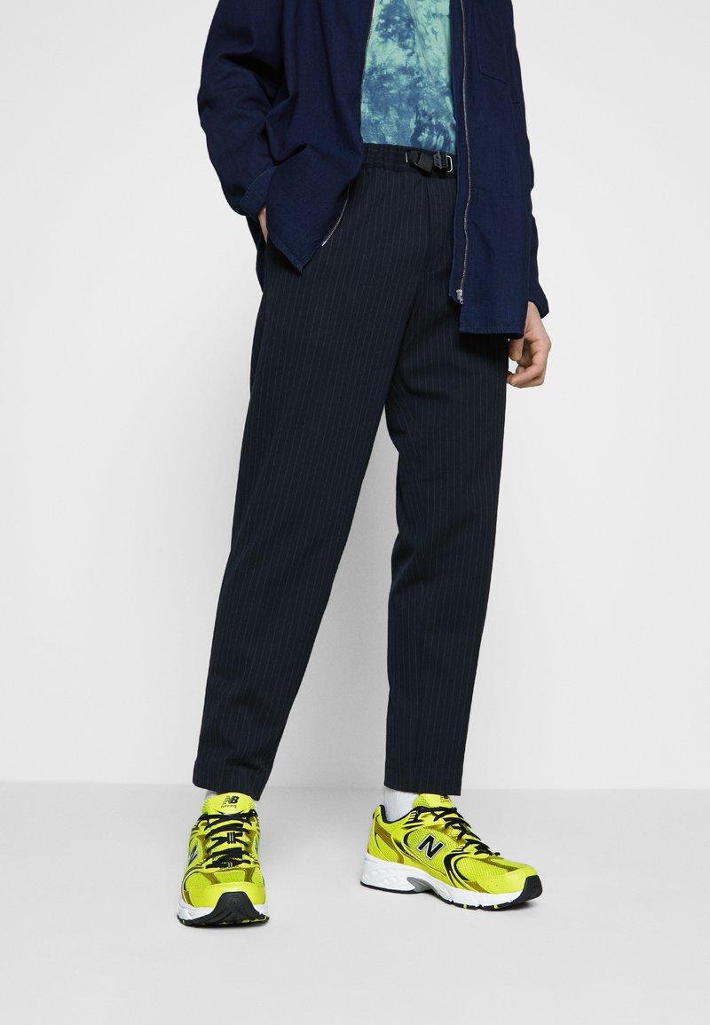 New Balance - MR530 - Sneakers basse - yellow
