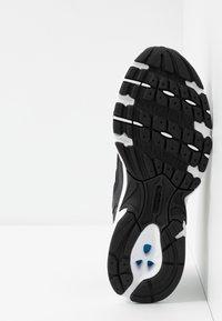 New Balance - MR530 - Zapatillas - black - 5