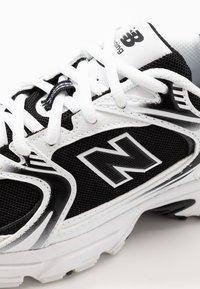 New Balance - MR530 - Trainers - black/white - 5