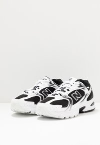 New Balance - MR530 - Trainers - black/white - 2