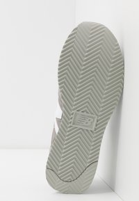 New Balance - 720 - Baskets basses - grey/white - 4