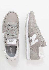 New Balance - 720 - Baskets basses - grey/white - 1
