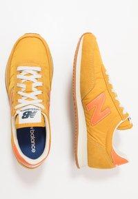 New Balance - 720 - Trainers - yellow/orange - 1