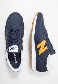 New Balance - 720 - Baskets basses - navy/yellow