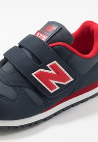 New Balance - YV373CC - Baskets basses - navy/red - 2