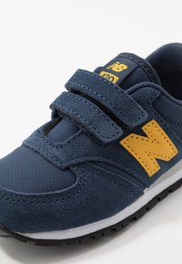 New Balance - IV420YY - Sneakers laag - navy - 2