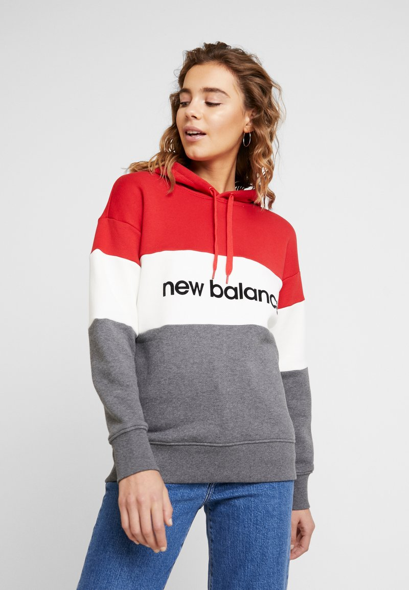 New Balance - ATHLETICS STADIUM HOODIE - Bluza z kapturem - team red