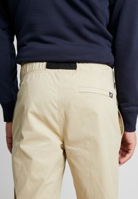 New Balance - PANT - Trousers - incense - 3