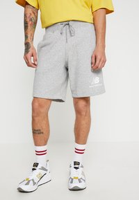New Balance - ESSENTIALS STACKED LOGO - Shorts - athletic grey - 0