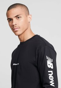 New Balance - Sweatshirt - black - 3