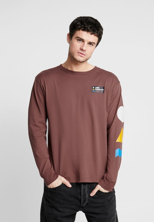 TRAIL TEE - Long sleeved top - wax umber