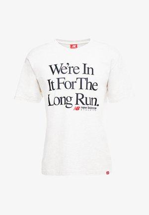 ESSENTIALS ICON RUN - T-shirt imprimé - mottled light grey