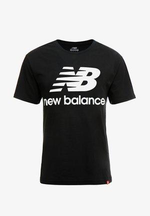 ESSENTIALS STACKED LOGO  - Print T-shirt - black